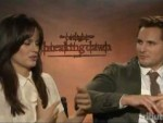 The Twilight Saga: Breaking Dawn – Part 1 – Elizabeth Reaser & Peter Facinelli Interview