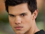 Taylor Lautner says wig was important co-star