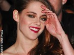 Robert Pattinson and Kristen Stewart attend premiere